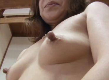 熟女の乳首
